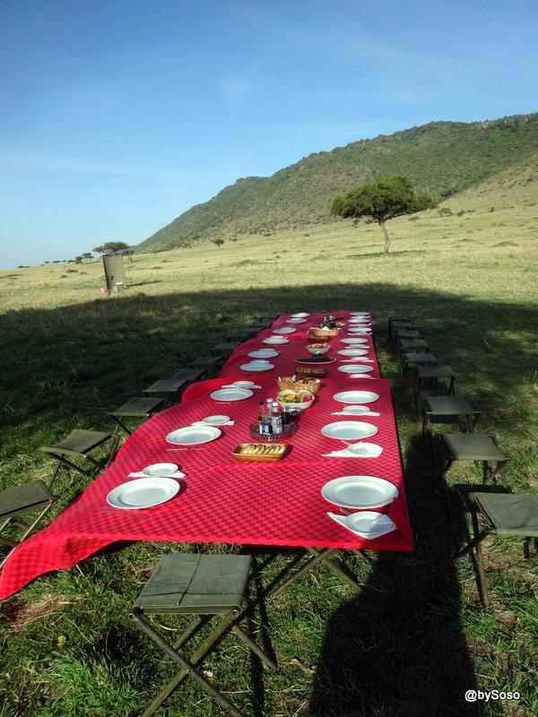 champagne-breakfast-dans-le-masai-mara